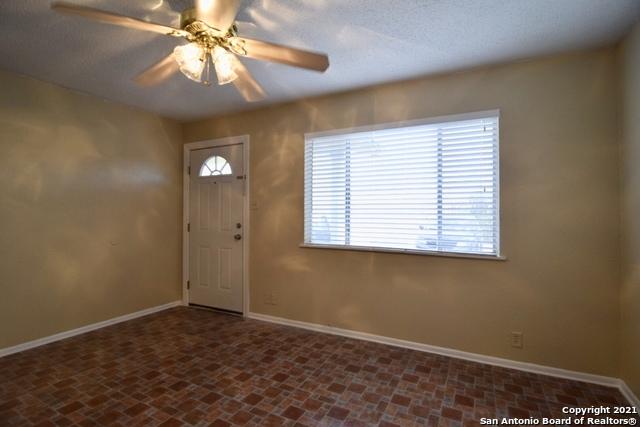 Active Option   1707 - 1709 Escalon San Antonio, TX 78221 5