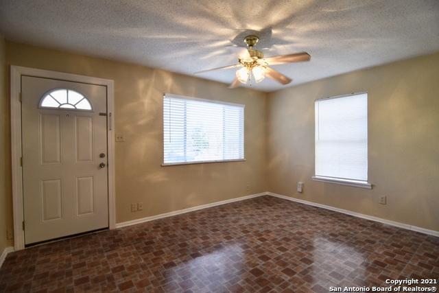 Active Option   1707 - 1709 Escalon San Antonio, TX 78221 6