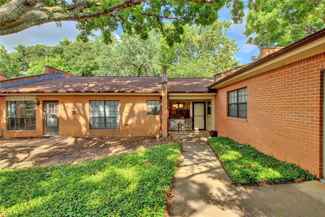 Closed   2301 Lawnmont Avenue #4 Austin, TX 78756 6