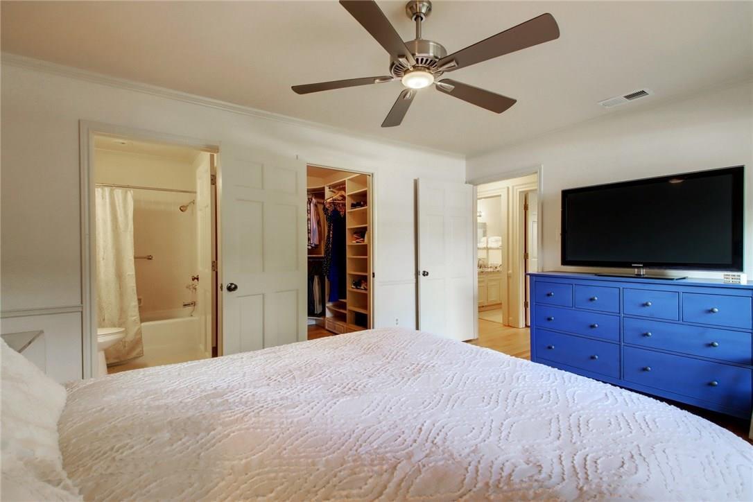 Closed   2301 Lawnmont Avenue #4 Austin, TX 78756 15