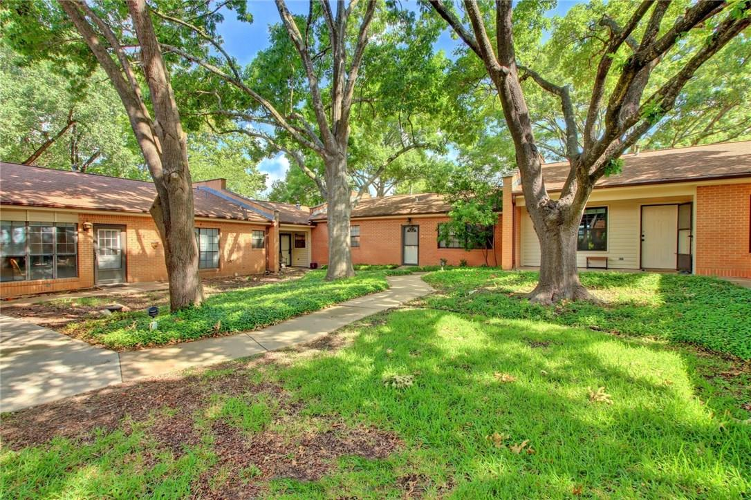 Closed   2301 Lawnmont Avenue #4 Austin, TX 78756 25