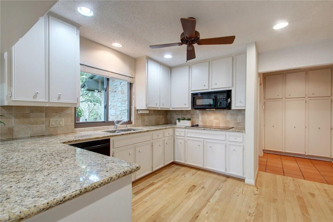 Closed | 7702 Valley Dale Drive Austin, TX 78731 14