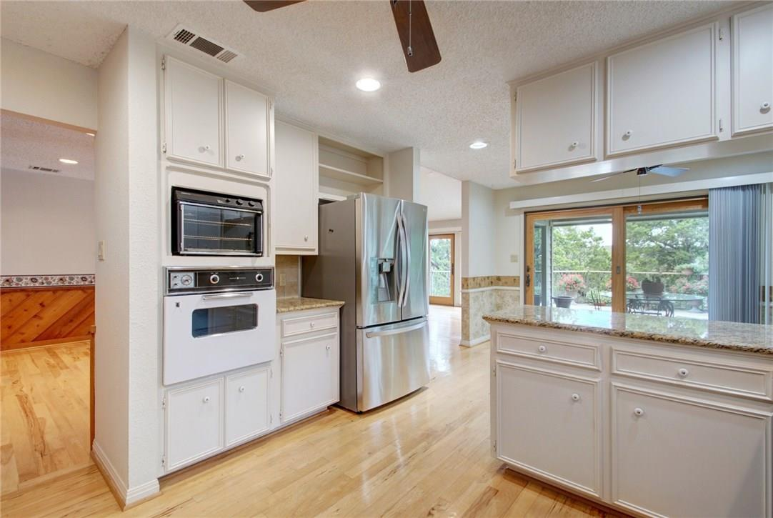 Closed | 7702 Valley Dale Drive Austin, TX 78731 16
