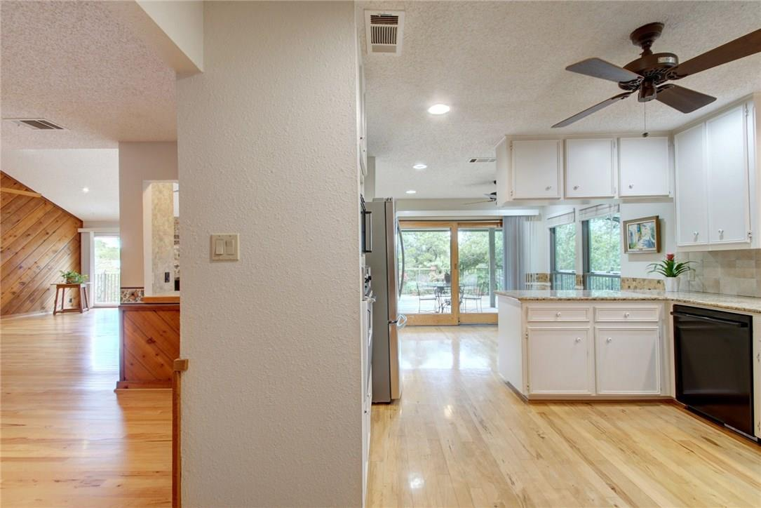 Closed | 7702 Valley Dale Drive Austin, TX 78731 17