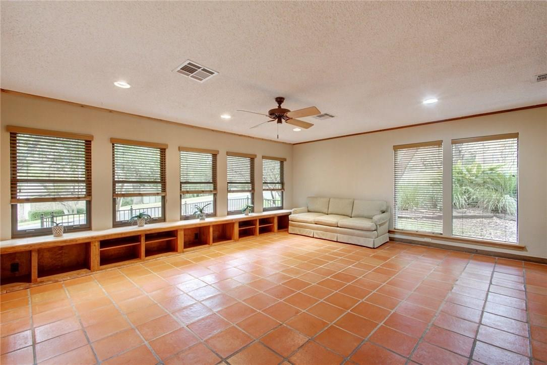 Closed | 7702 Valley Dale Drive Austin, TX 78731 21