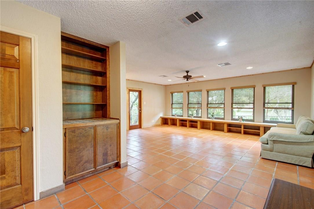 Closed | 7702 Valley Dale Drive Austin, TX 78731 23