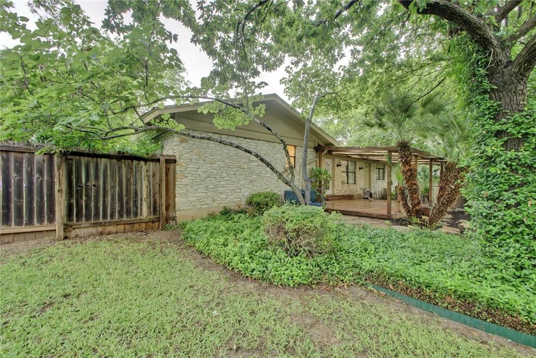 Closed | 2505 N Shields Drive Austin, TX 78727 32