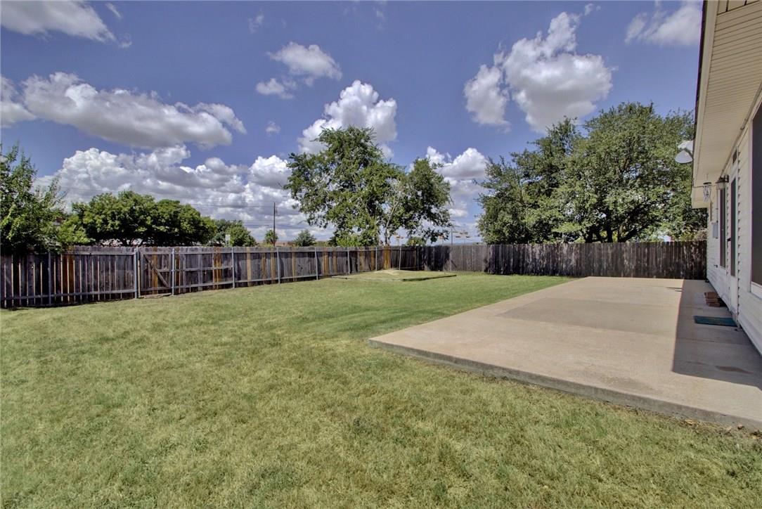 Closed   1308 JULIES Walk Pflugerville, TX 78660 26