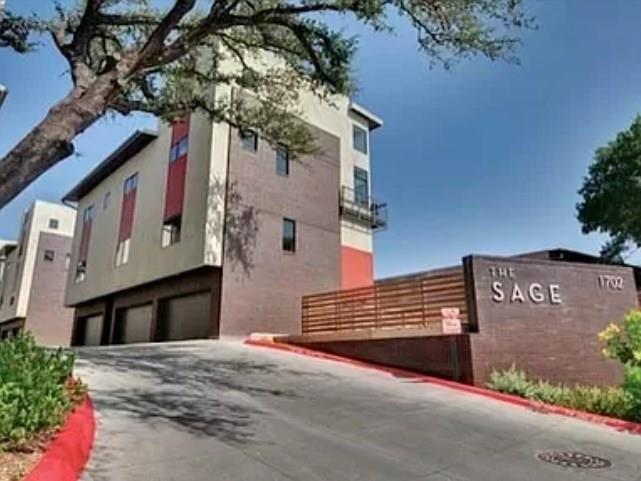 Closed | 1702 S Lamar Boulevard #6 Austin, TX 78704 1