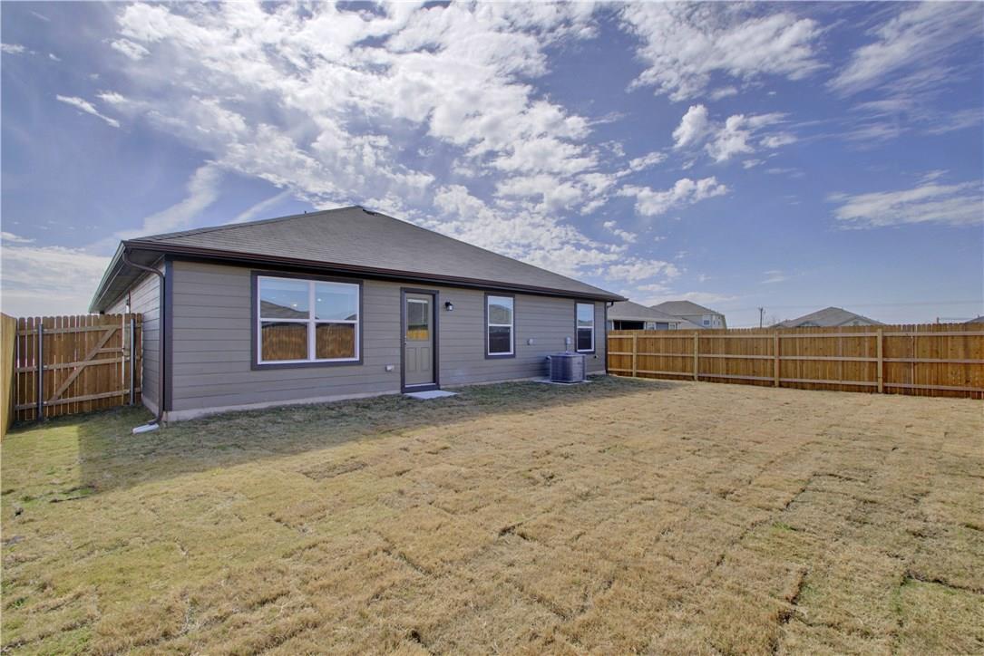 Closed | 303 Cassandra Drive Hutto, TX 78634 25