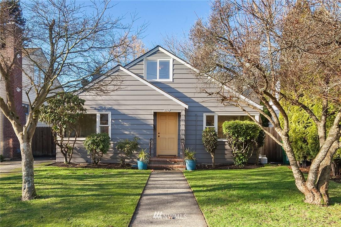 Sold Property | 8247 Wallingford Avenue N Seattle, WA 98103 1