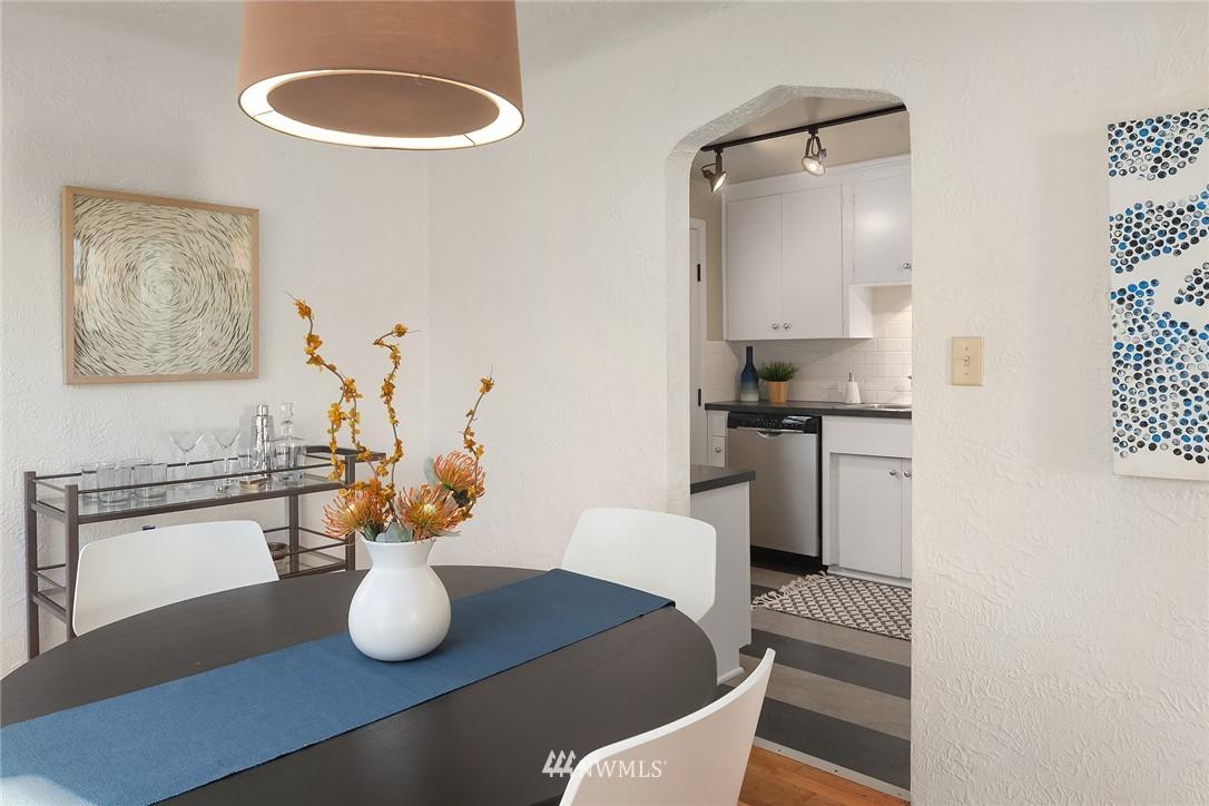 Sold Property | 8247 Wallingford Avenue N Seattle, WA 98103 6