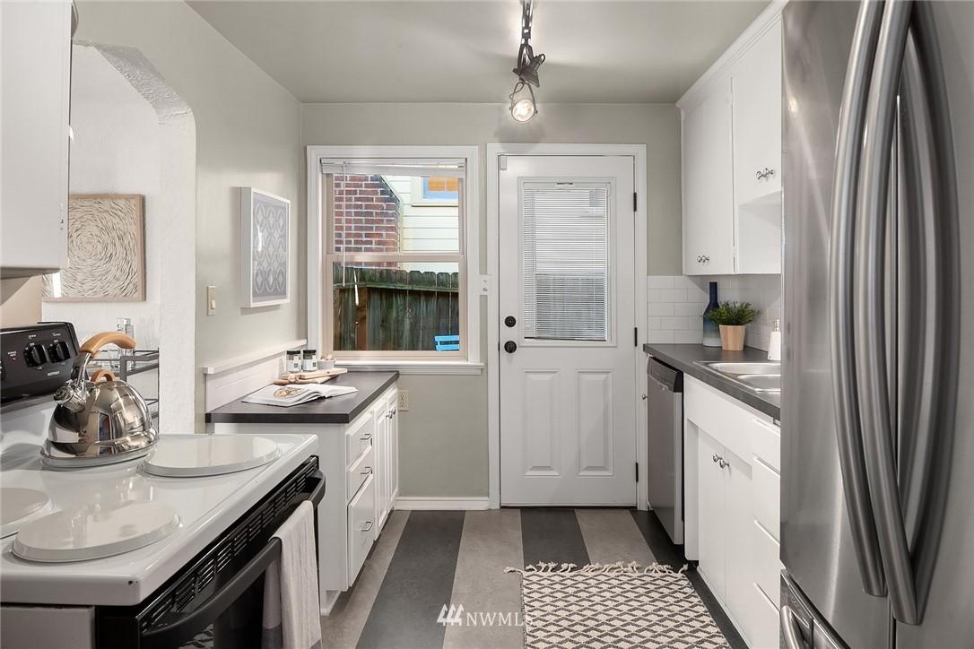 Sold Property | 8247 Wallingford Avenue N Seattle, WA 98103 8