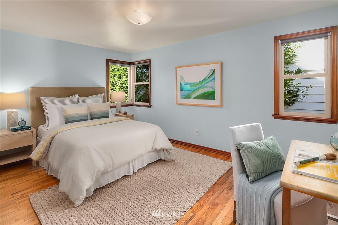 Sold Property | 8247 Wallingford Avenue N Seattle, WA 98103 9