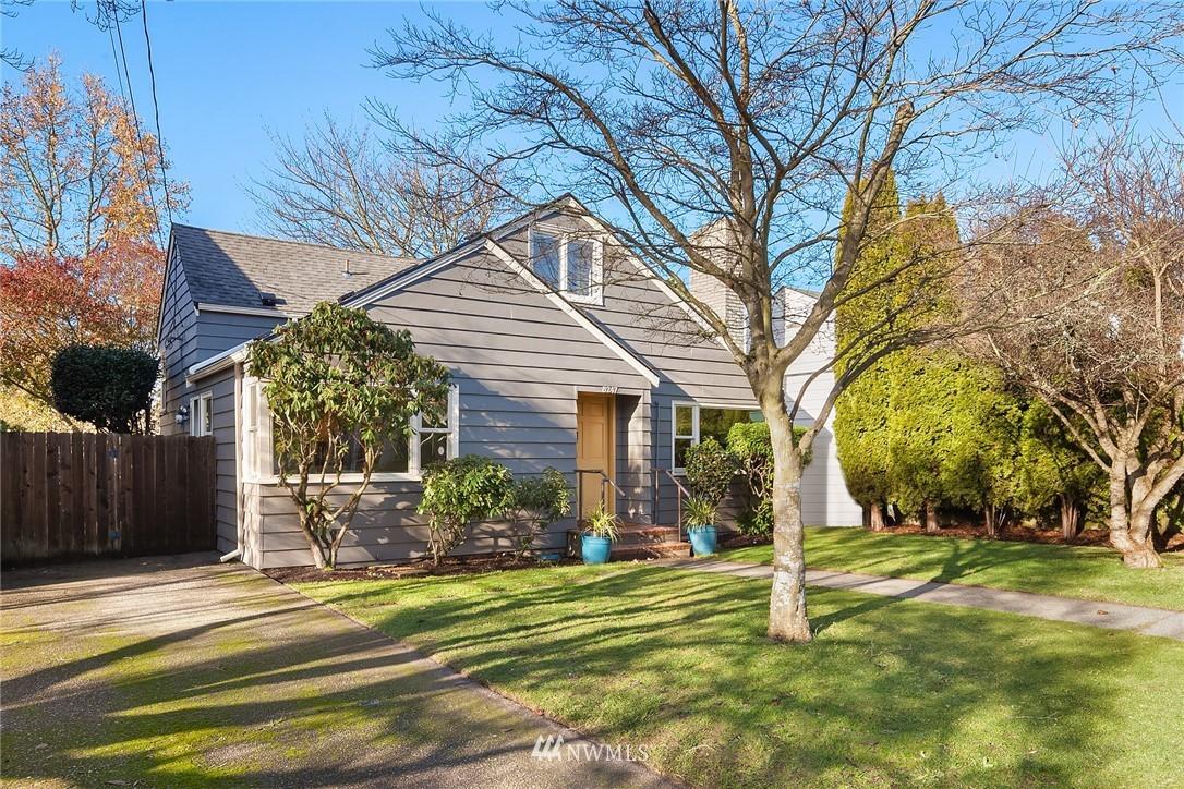 Sold Property | 8247 Wallingford Avenue N Seattle, WA 98103 19