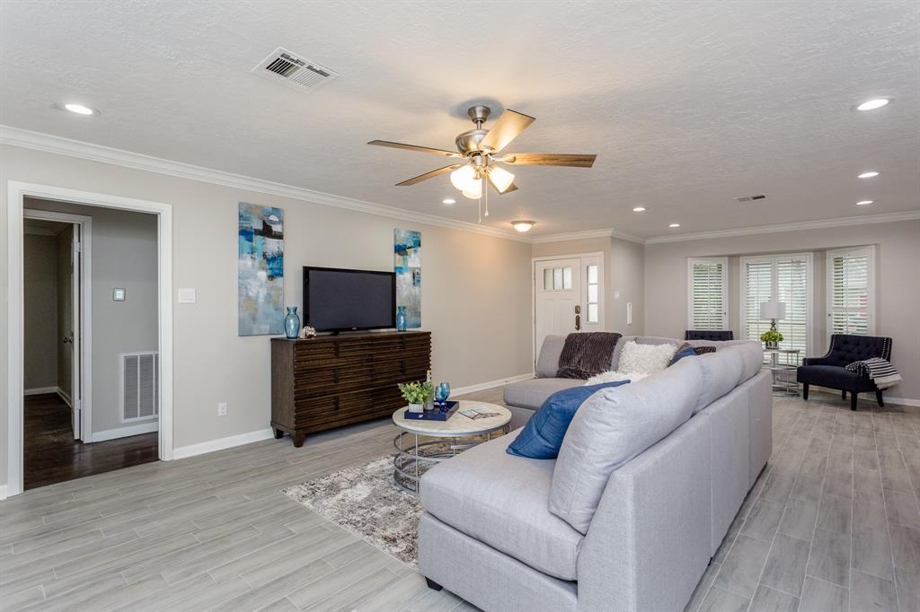 Option Pending | 2219 Tannehill Drive Houston, Texas 77008 9
