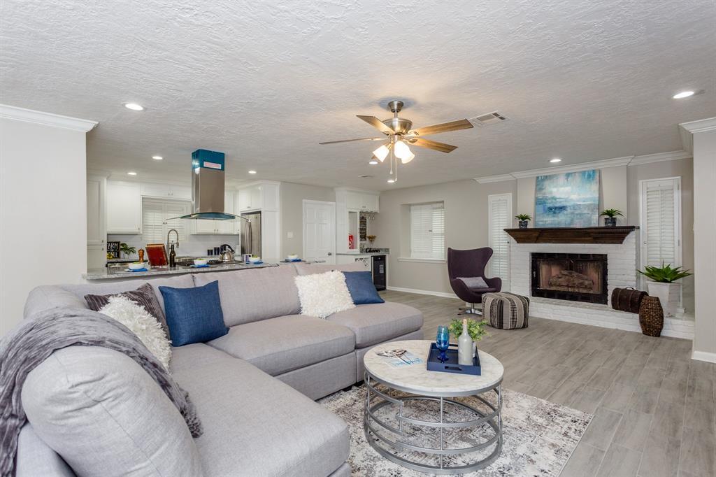 Option Pending | 2219 Tannehill Drive Houston, Texas 77008 11