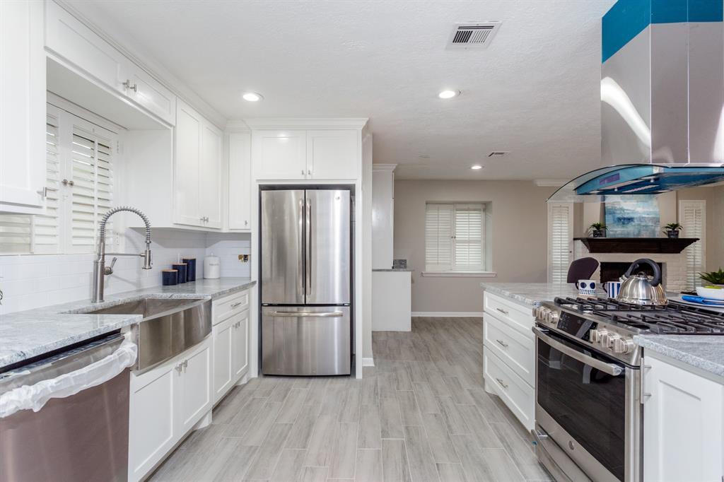 Option Pending | 2219 Tannehill Drive Houston, Texas 77008 14