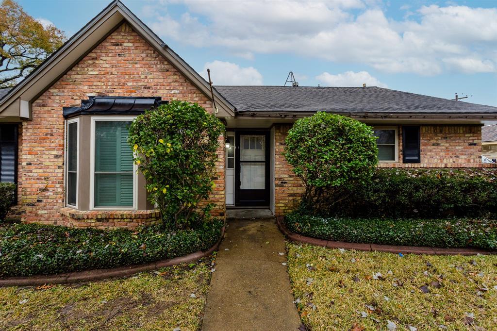 Option Pending | 2219 Tannehill Drive Houston, Texas 77008 2