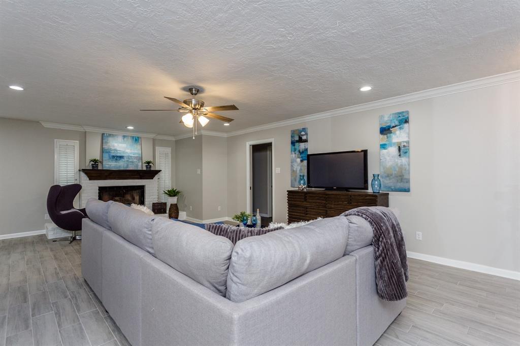 Option Pending | 2219 Tannehill Drive Houston, Texas 77008 8