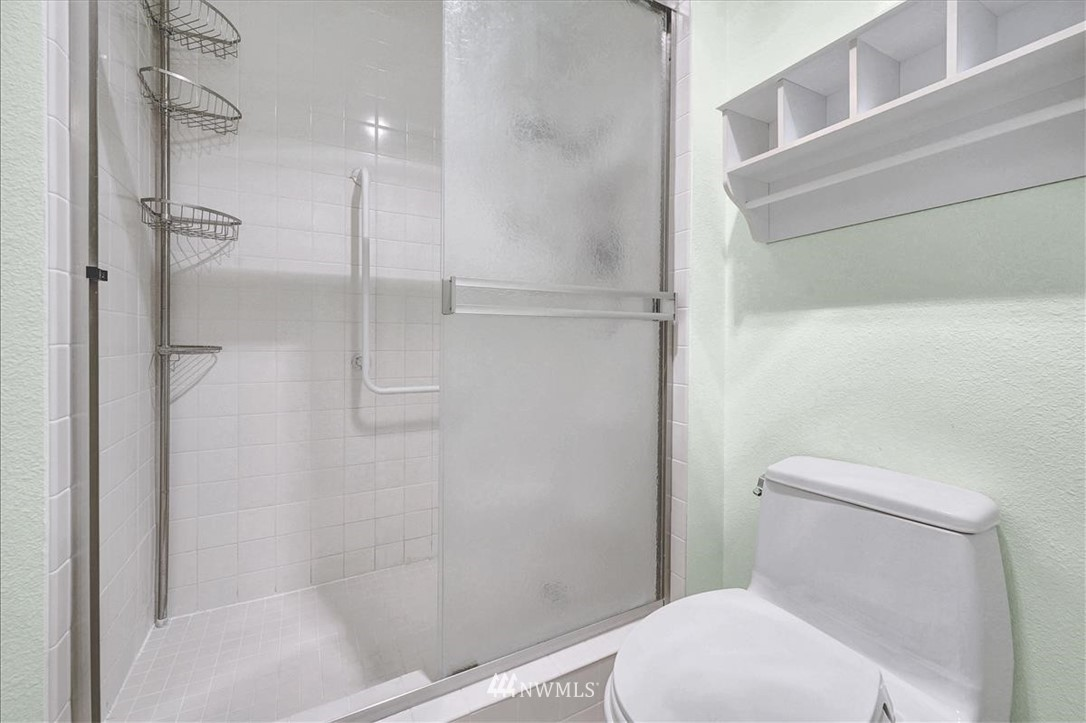 Sold Property | 13229 Linden Avenue N #510B Seattle, WA 98133 11