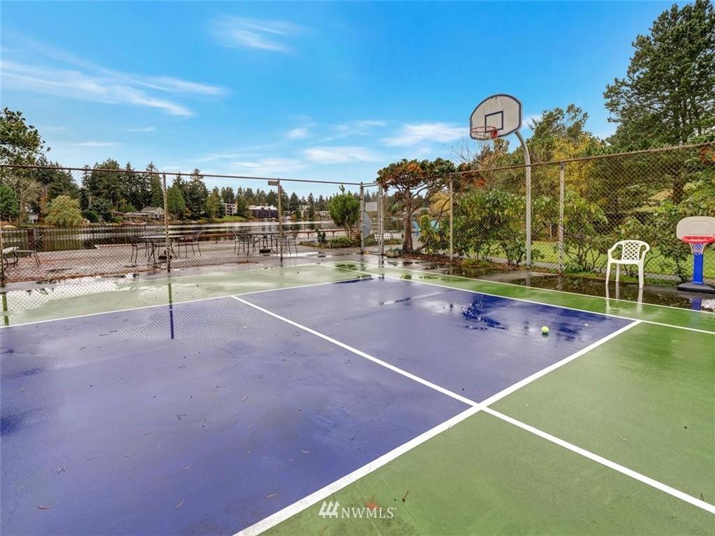 Sold Property | 13229 Linden Avenue N #510B Seattle, WA 98133 23