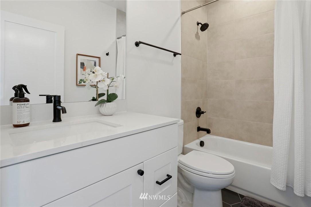 Sold Property | 4614 Woodland Park Avenue N Seattle, WA 98103 14