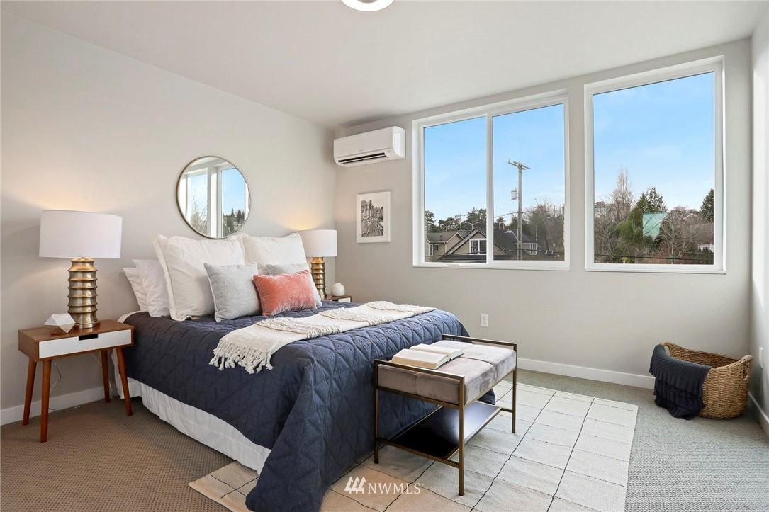 Sold Property | 4614 Woodland Park Avenue N Seattle, WA 98103 15