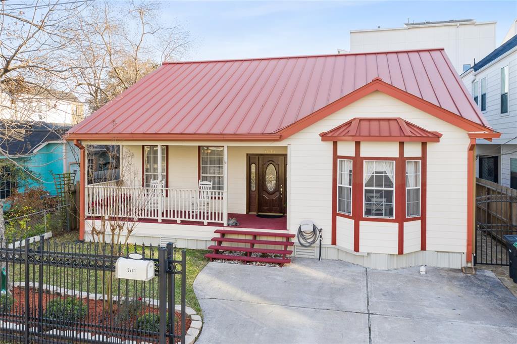 Off Market   5631 Petty Street Houston, Texas 77007 1