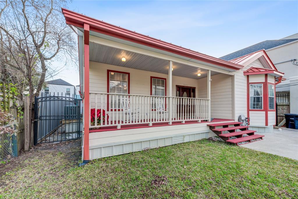 Off Market   5631 Petty Street Houston, Texas 77007 8