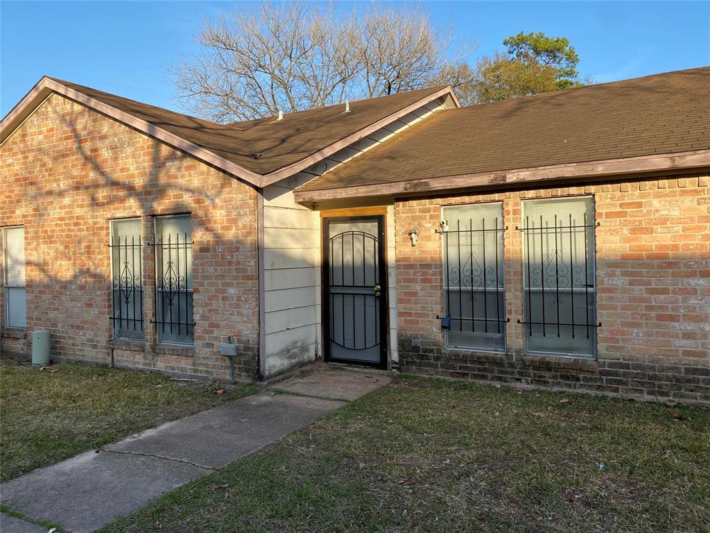 Off Market | 5759 Easthampton Drive #B Houston, Texas 77039 1
