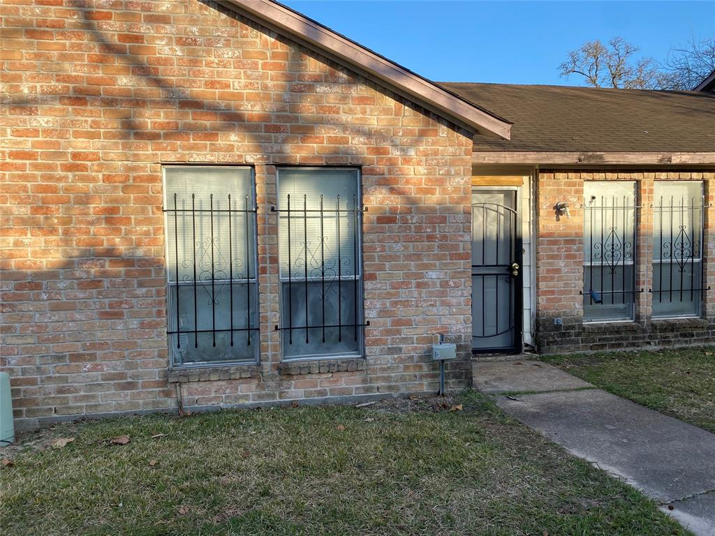 Off Market | 5759 Easthampton Drive #B Houston, Texas 77039 2