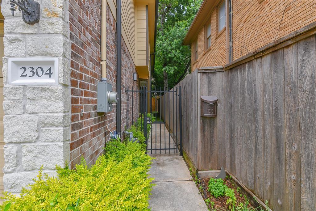 Active | 2304 Dunlavy Street Houston, Texas 77006 5