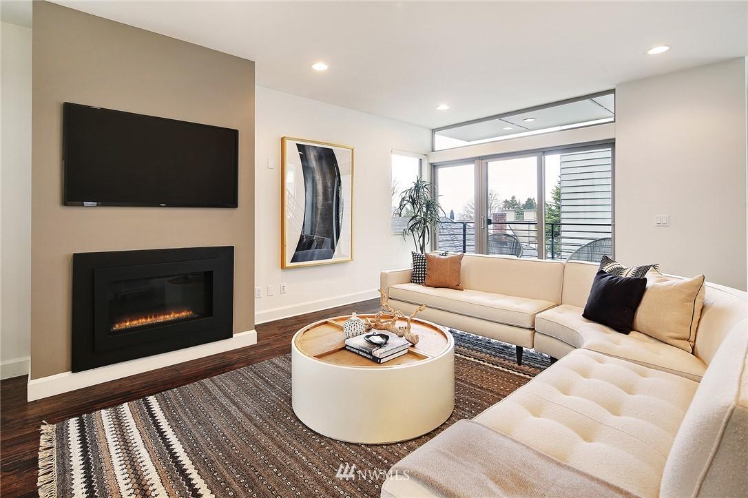 Sold Property | 1820 11th Avenue W #C Seattle, WA 98119 3