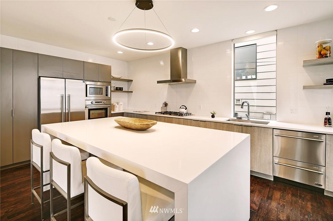 Sold Property | 1820 11th Avenue W #C Seattle, WA 98119 5