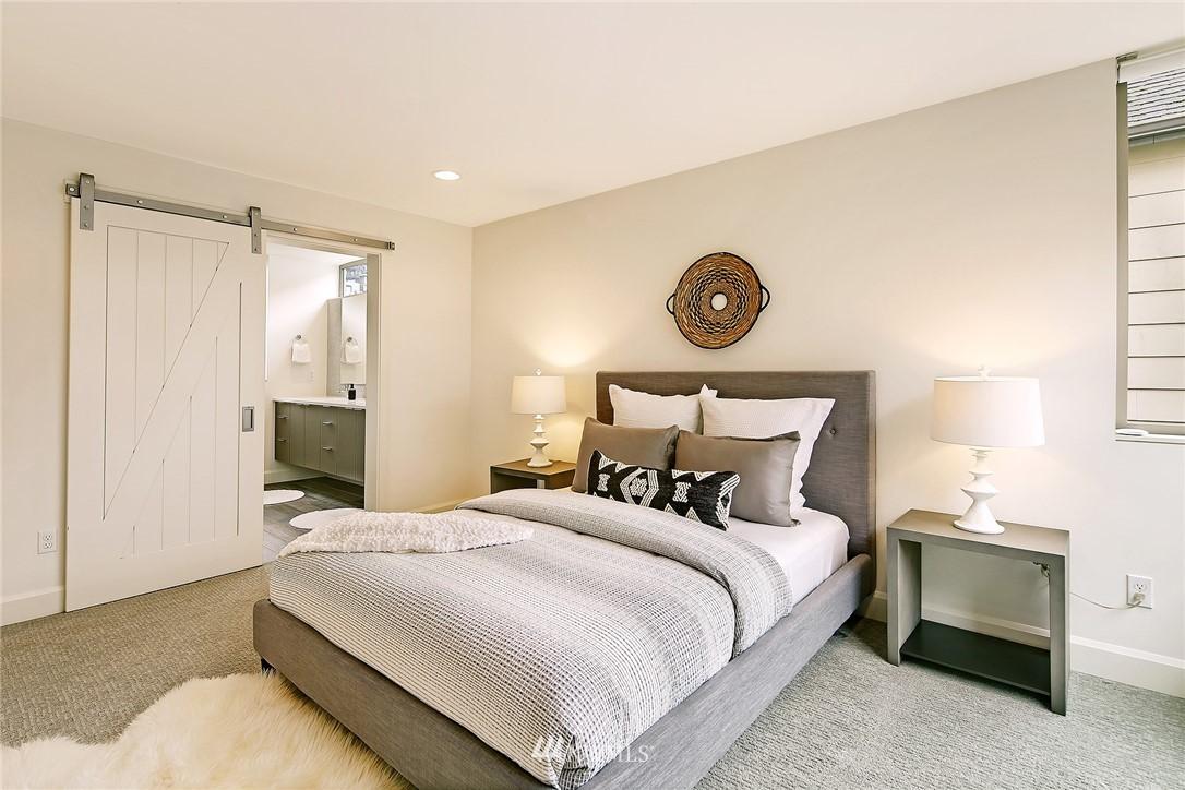 Sold Property | 1820 11th Avenue W #C Seattle, WA 98119 9