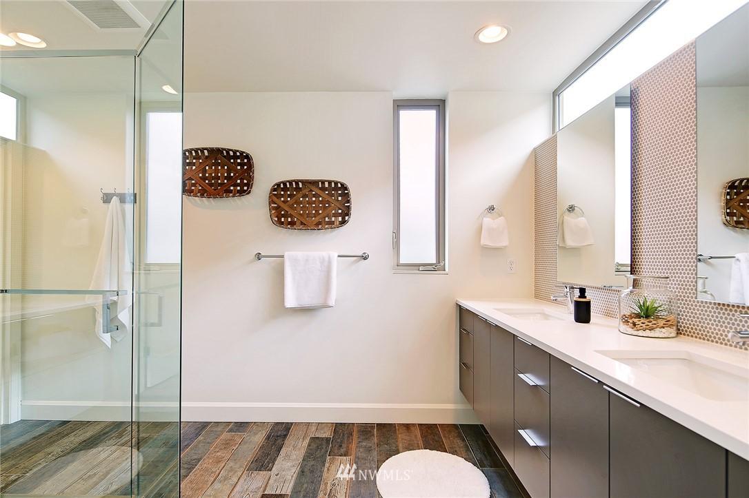 Sold Property | 1820 11th Avenue W #C Seattle, WA 98119 12