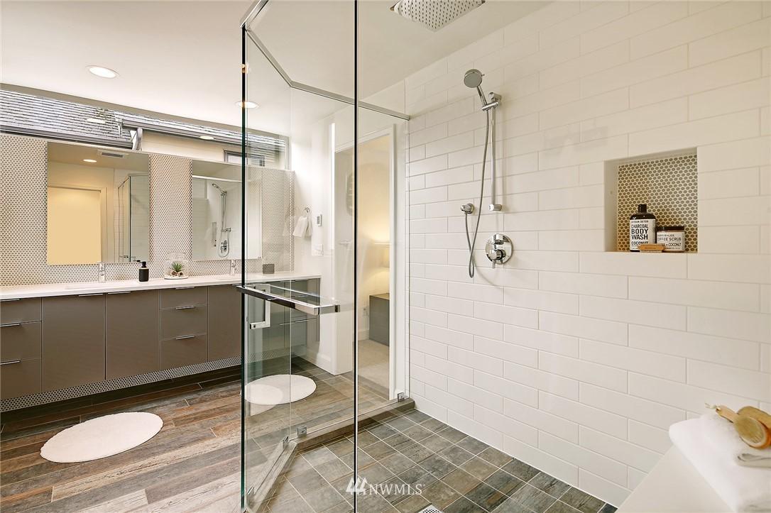 Sold Property | 1820 11th Avenue W #C Seattle, WA 98119 13