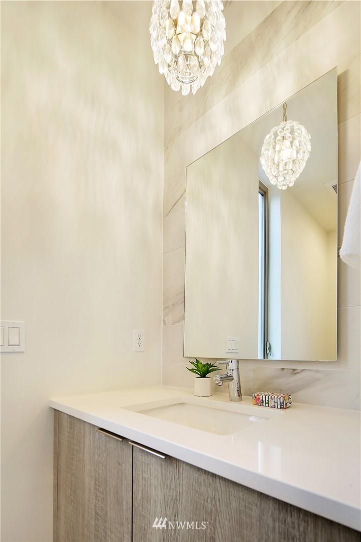 Sold Property | 1820 11th Avenue W #C Seattle, WA 98119 20