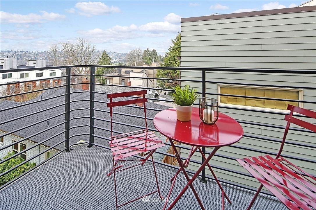 Sold Property | 1820 11th Avenue W #C Seattle, WA 98119 21