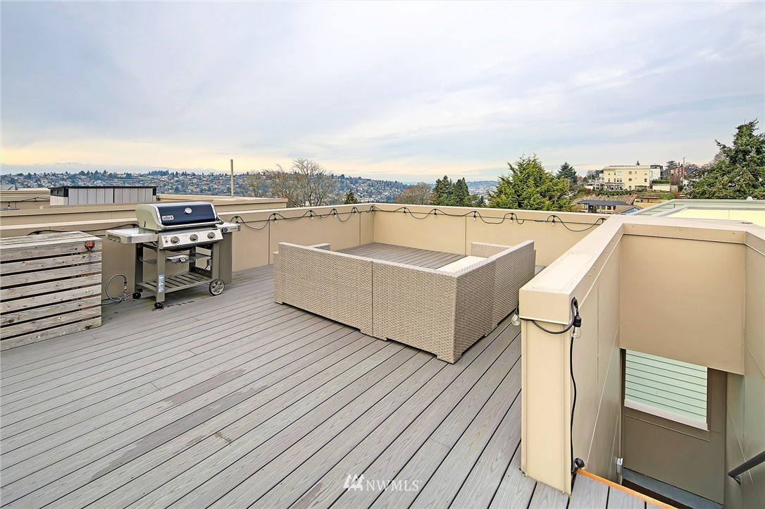 Sold Property | 1820 11th Avenue W #C Seattle, WA 98119 22