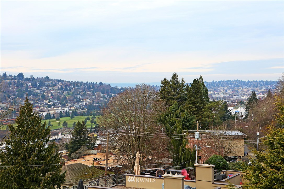 Sold Property | 1820 11th Avenue W #C Seattle, WA 98119 24