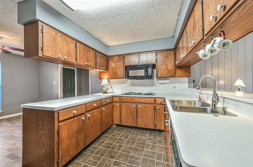 Off Market | 1803 Highway 332 W Lake Jackson, Texas 77566 9