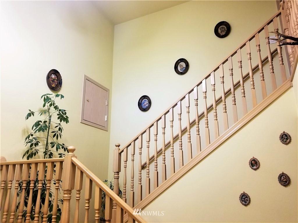 Sold Property | 12079 46th Avenue S Seattle, WA 98178 11