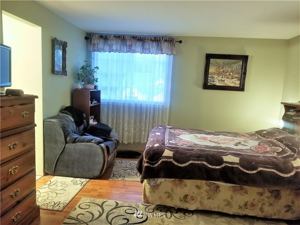 Sold Property | 12079 46th Avenue S Seattle, WA 98178 21