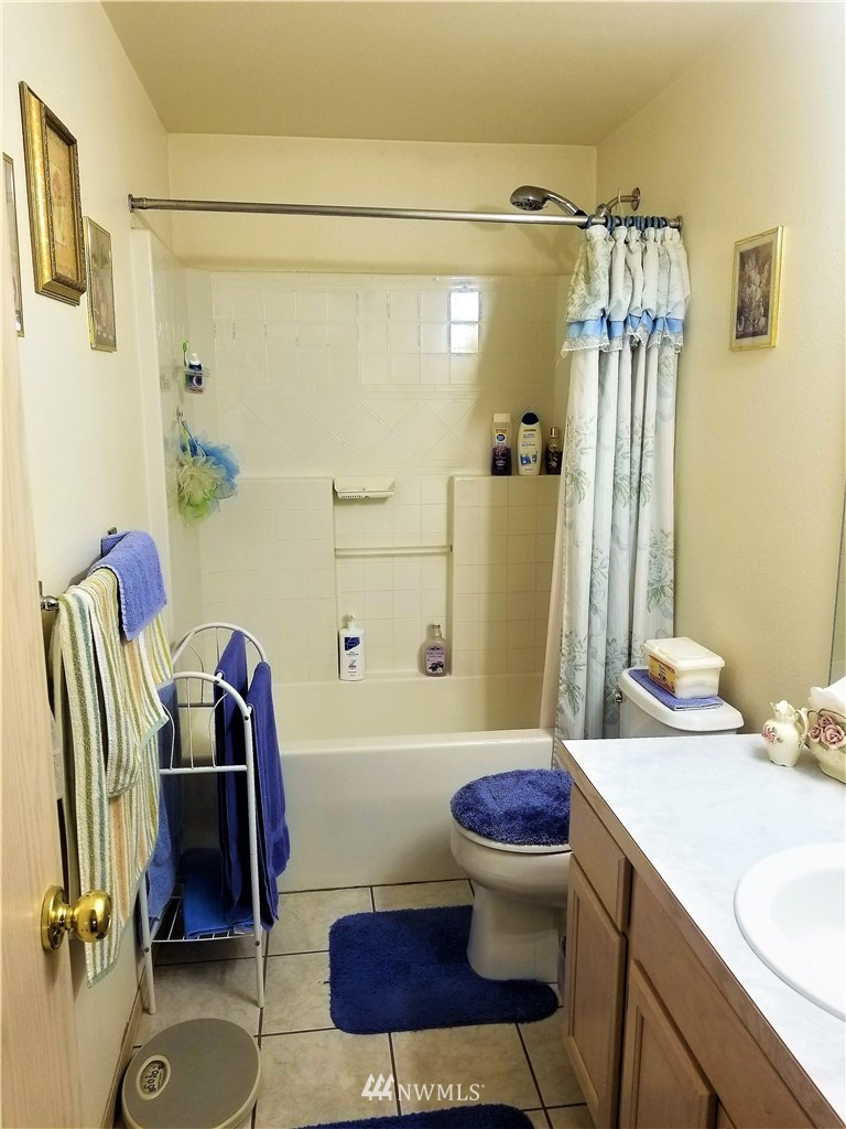 Sold Property | 12079 46th Avenue S Seattle, WA 98178 27