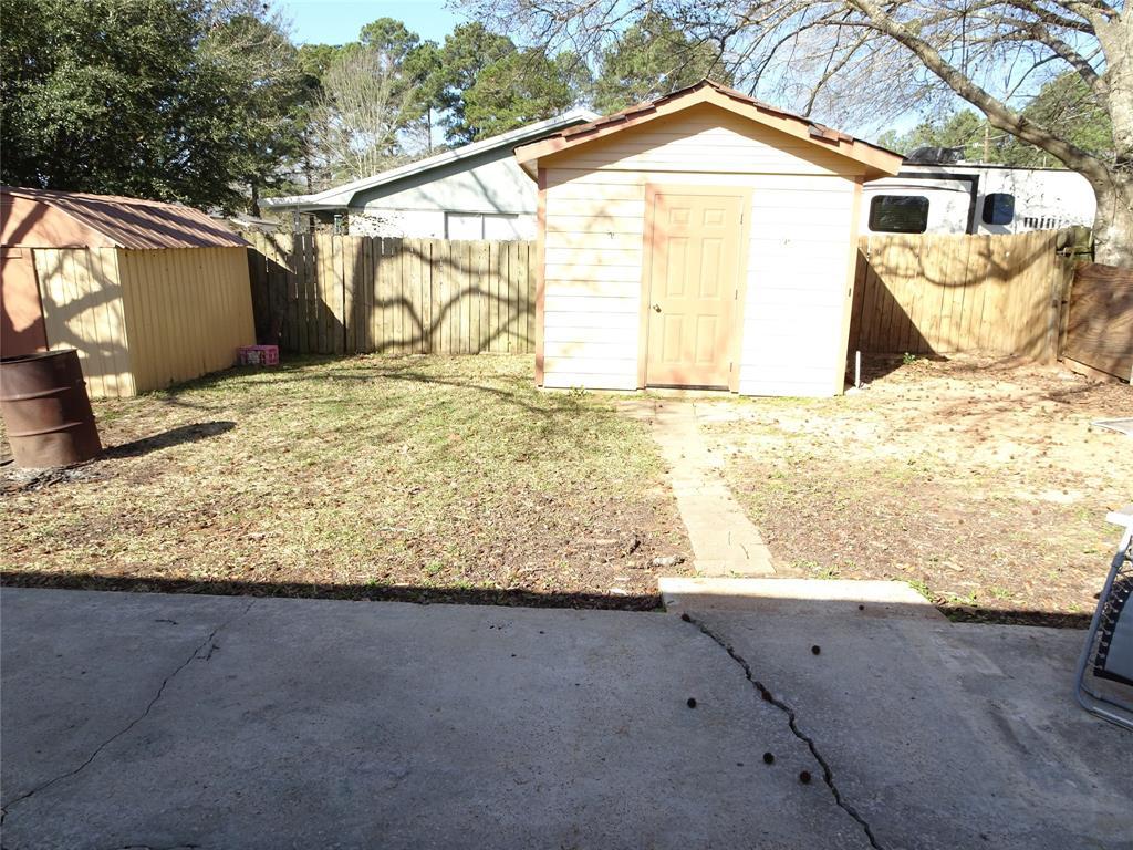 Pending | 15063 Starboard Drive Willis, Texas 77318 19