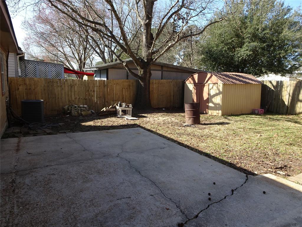 Pending | 15063 Starboard Drive Willis, Texas 77318 23