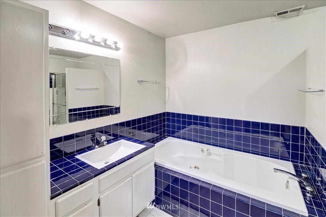 Sold Property | 12510 NE 140th Street Kirkland, WA 98034 18