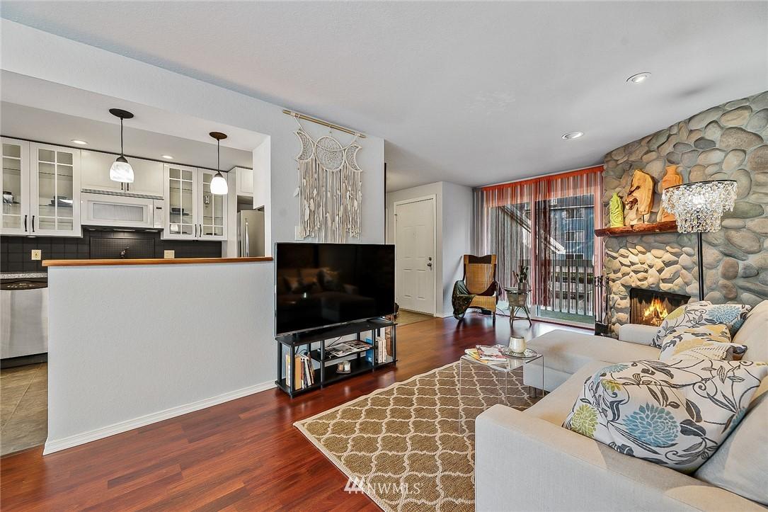 Sold Property   9474 Redmond -Woodinville Road NE #A304 Redmond, WA 98052 3